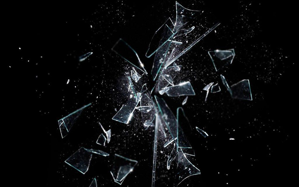 ガラスのハートにヒビが入った(?)のである。